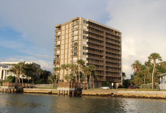 Discount Realtor for Siesta Towers in Siesta Key, FL.